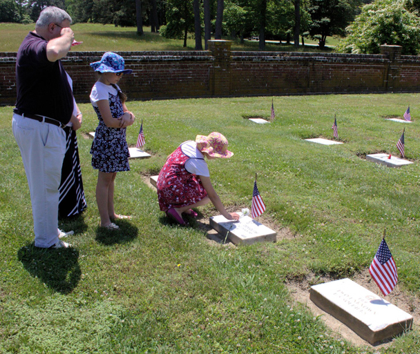 Yorktown Battlefield's National Cemetery
