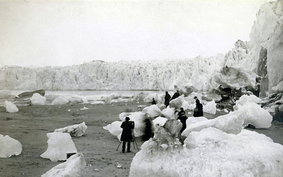 Steamship passengers enjoy the icy scene in Muir Inlet