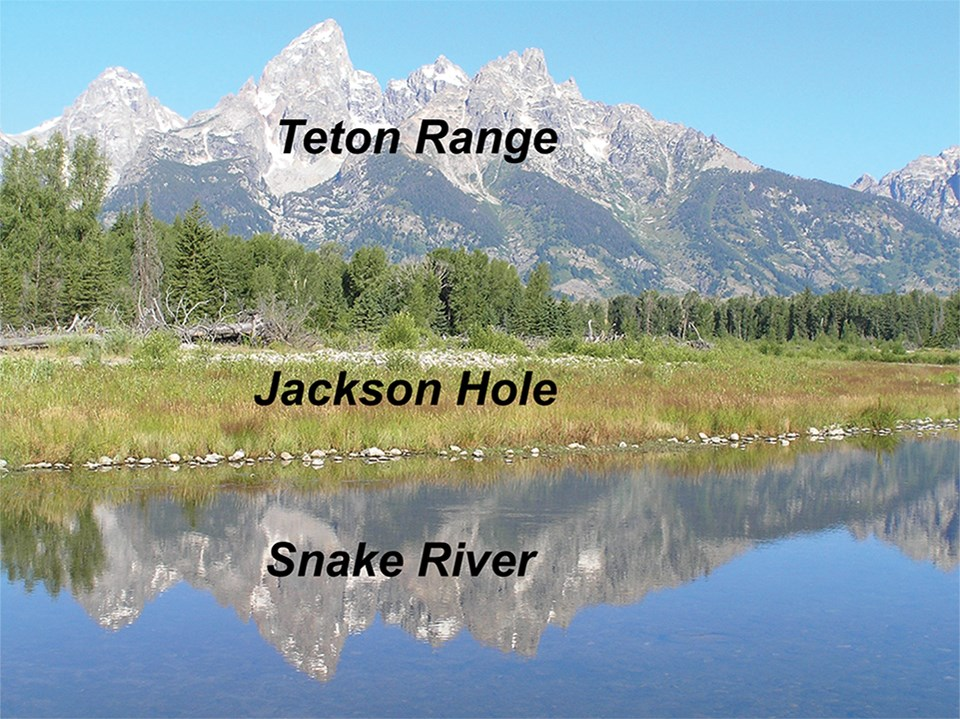 same photo with snake river and teton range labeled