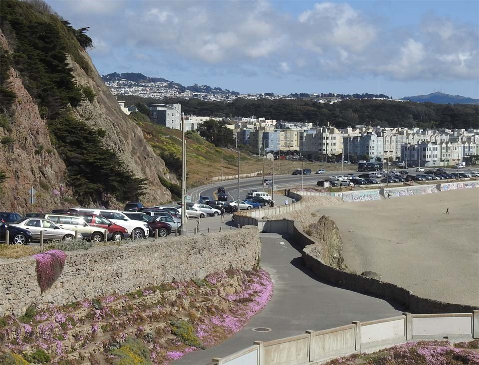 cars parked along the cliff