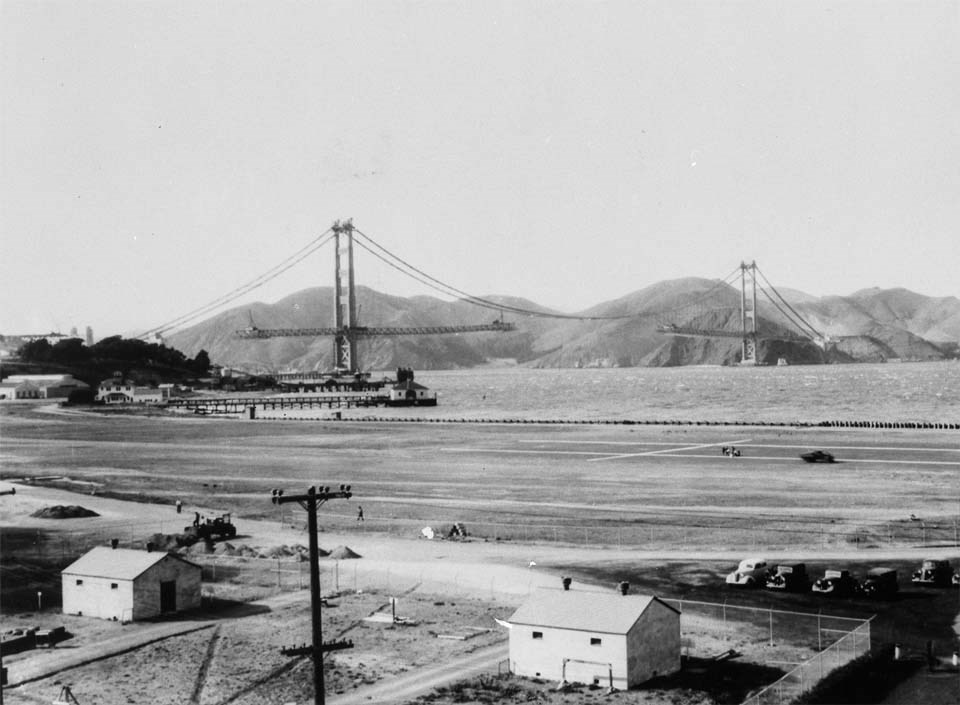 golden gate bridge in construction