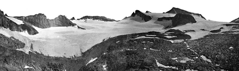 Black and white photo of the Lyell Glacier taken in 1883