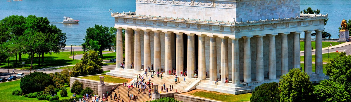 Ariel view of the Lincoln memorial