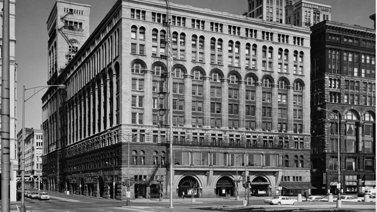 Exterior view of the Auditorium Theater showing multiple windows. HABS, Library of Congress