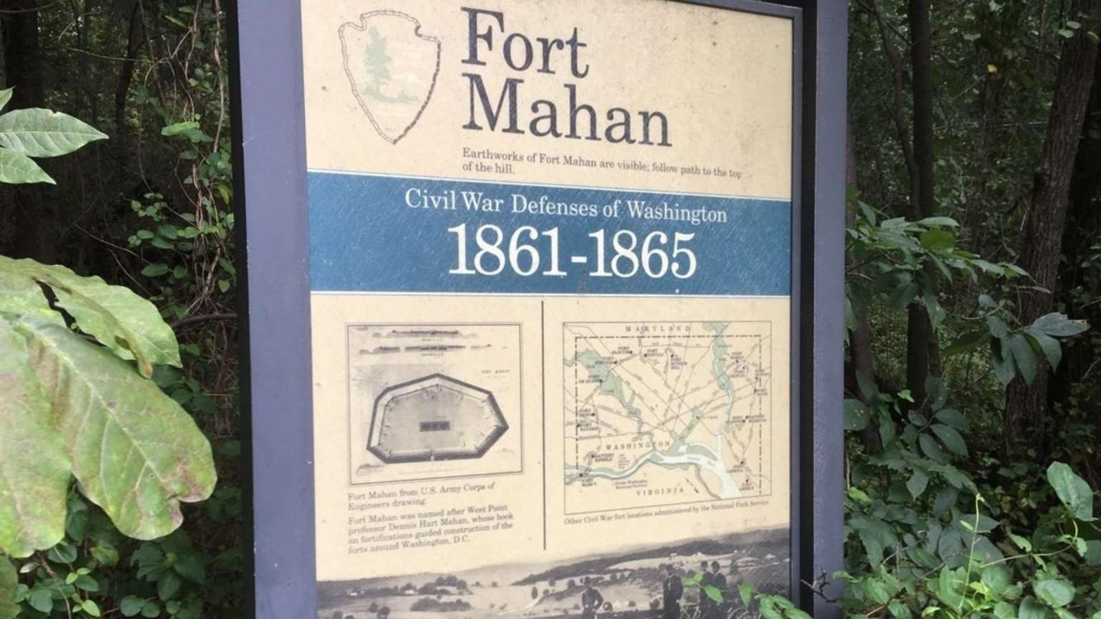 An interpretive panel describes Fort Mahan