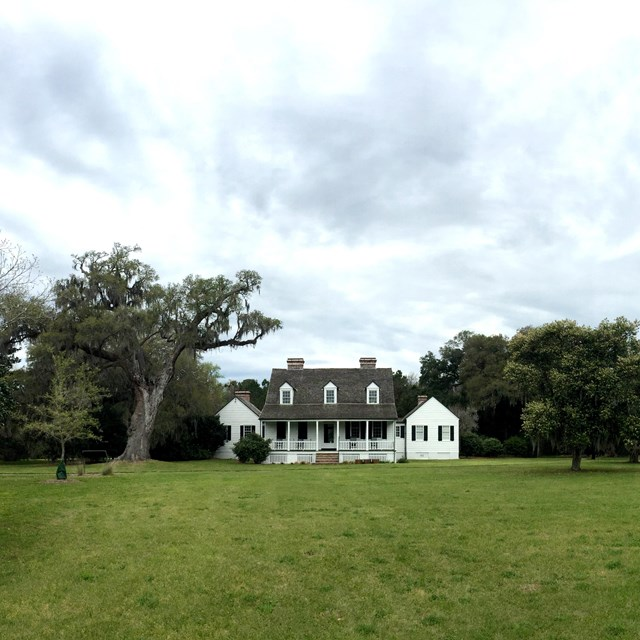 1820s farmhouse standing on historic Snee Farm