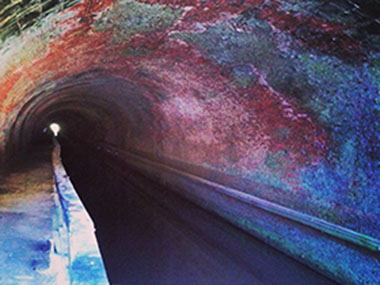 Inside the Paw Paw Tunnel with over 6 million bricks
