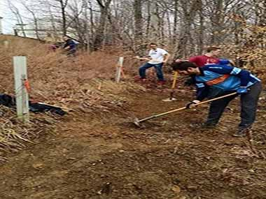 Volunteers help to build a section of the Potomac Heritage National Scenic Trail