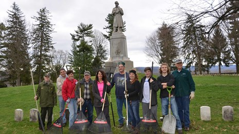 volunteers clean-up cemetery