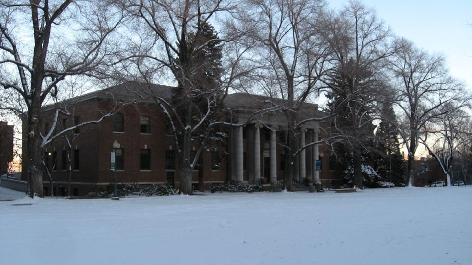 University building covered in snow. Photo by Ken Lund, CC SA- 2.0