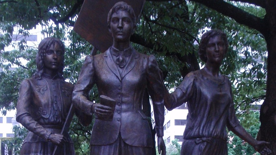 Statue of three women. Photo: by Joel Kramer, CC BY 2.0