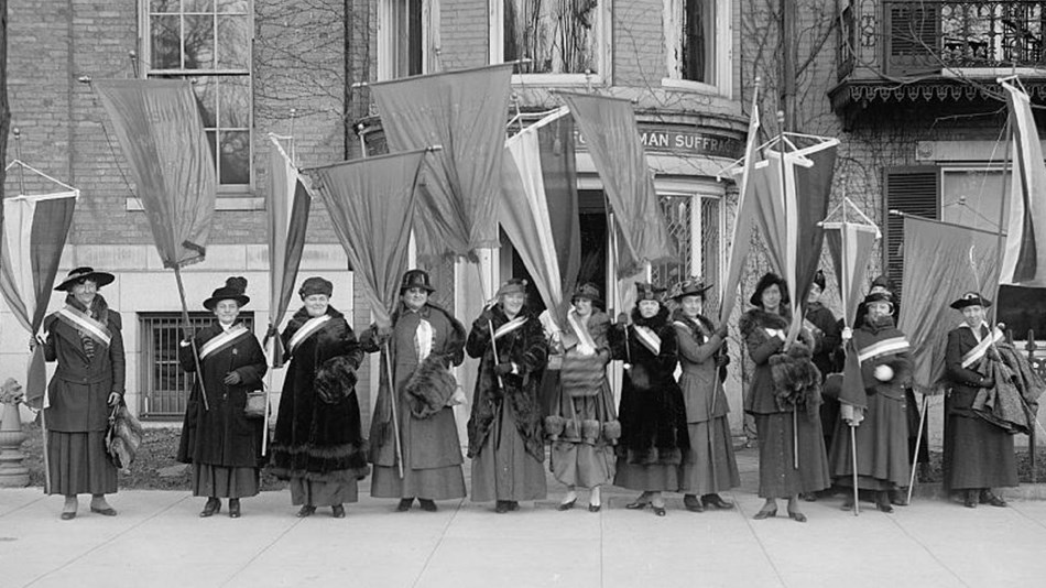 Group of suffragists with picket banners, Library of Congress.