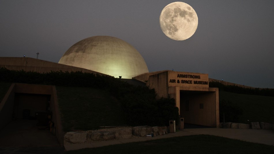 The Armstrong Air & Space museum under a full moon - Courtesy Niagara66