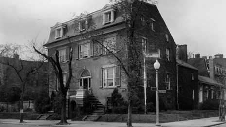 Historic Photo of the Alva Belmont House
