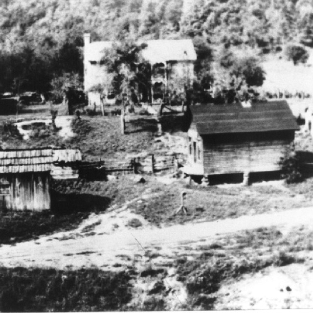historic photo of Lilly townsite