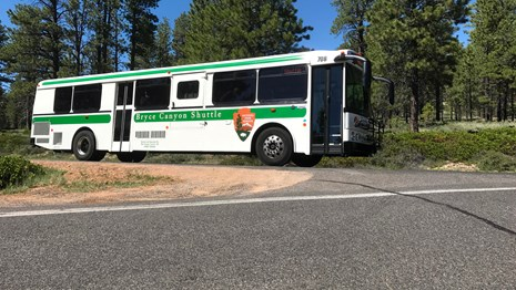 Bryce Canyon shuttle bus turning onto the road