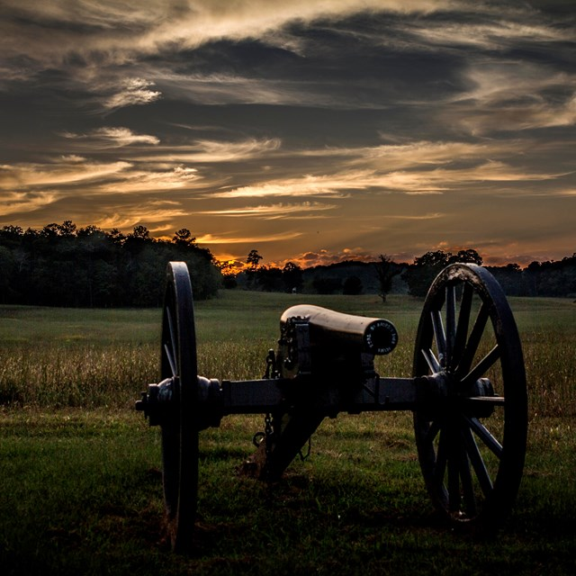 Cannon at sunset on Chickamauga Battlefield
