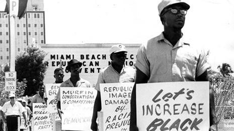 B&W image of protestors in Miami Beach, FL (1968)