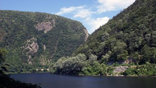The Delaware Water Gap from the river looking up at Mount Minsi and Mount Tammany