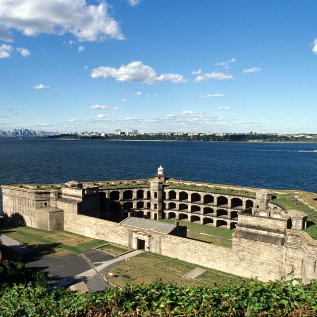 Photo of Battery Weed from Fort Wadsworth overlook