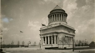 Historic photo of the General Grant National Memorial, black and white.