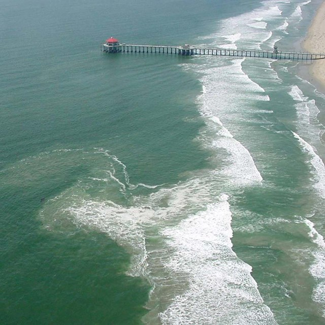 breaking waves and rip current