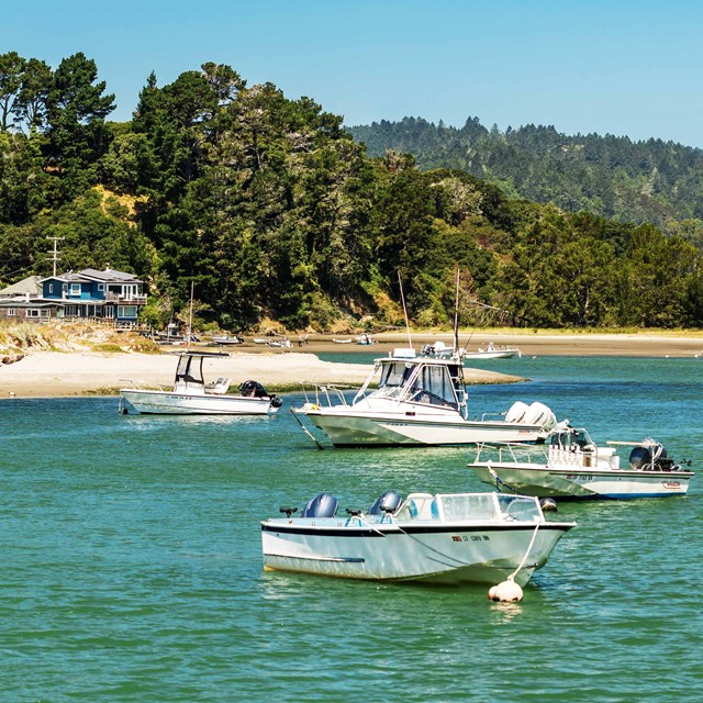 Multiple boats afloat at Stinson beach