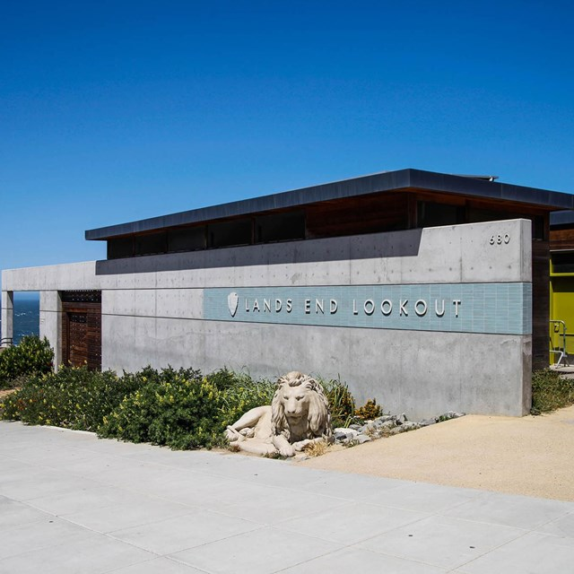 image of visitor center/lookout on a clear, sunny day