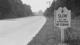 Historic road sign near Mount Vernon estate