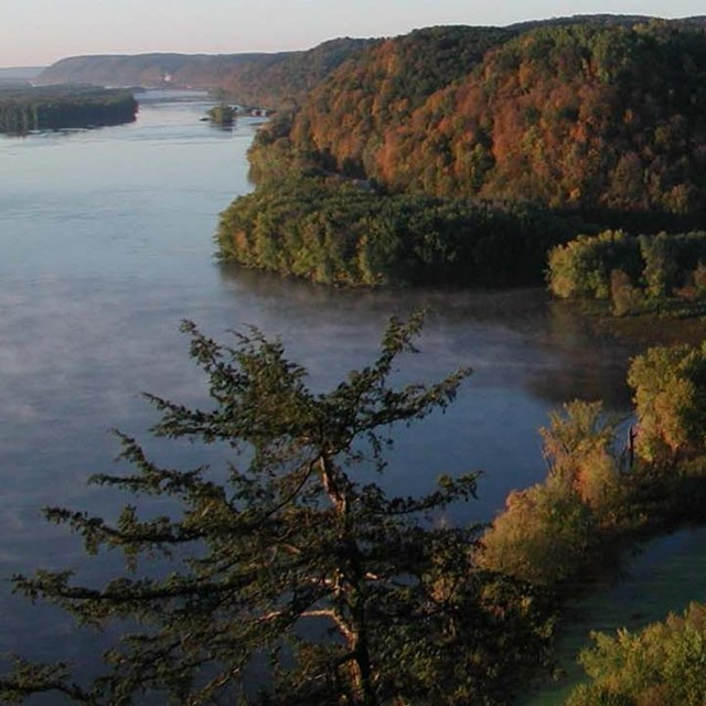 Photo of Mississippi River from Effigy Mounds National Monument