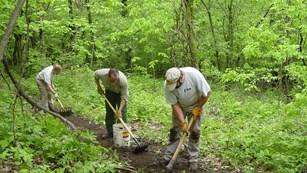 Volunteers work to construct new Trail in Devil's Lake State Park