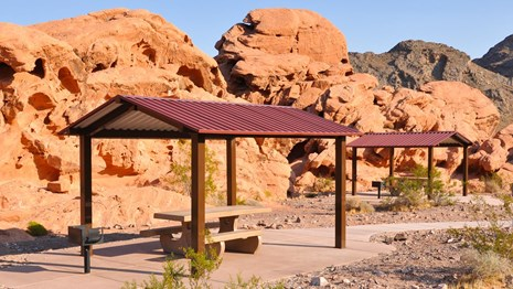 Image of redrock picnic area at Lake Mead