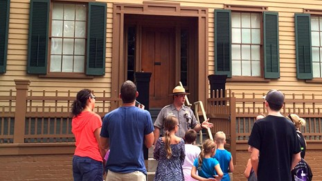 Ranger prepares to guide visitors through the Lincoln Home