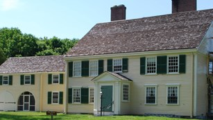 Learn about the many April 19, 1775 witness houses at Minute Man!