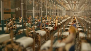 Model of a large factory weaving room