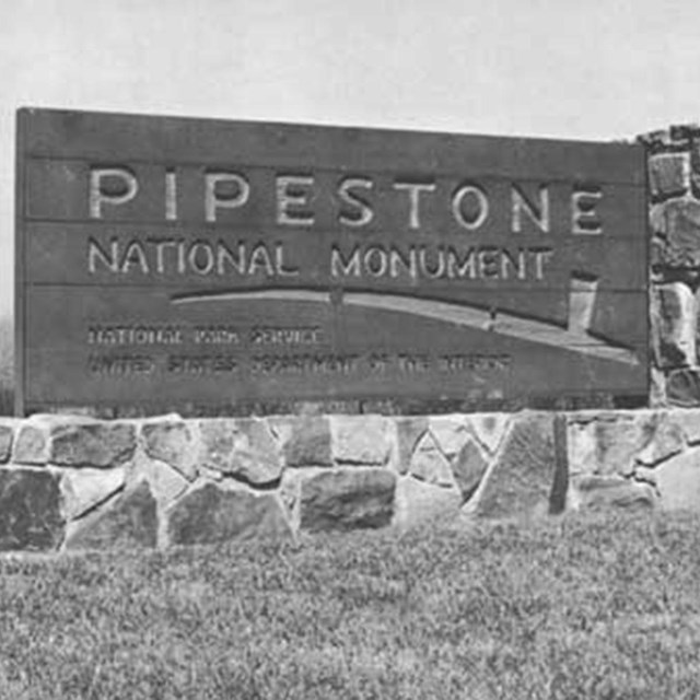 A photo of the Pipestone National Monument sign