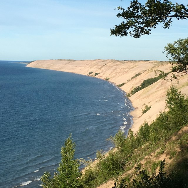 The Grand Sable Dunes extend for 5+ miles and rise 300 feet about Lake Superior