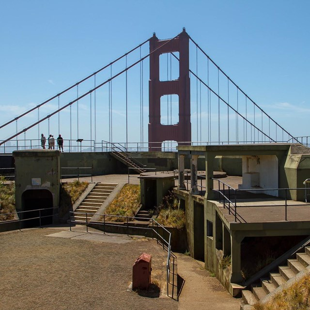view of battery chamberlin with golden gate bridge