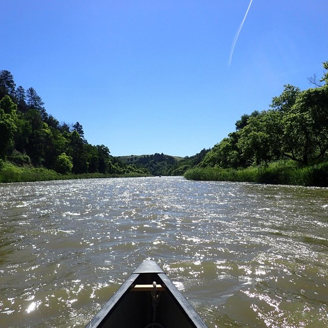 Credit: NPS Photo/Ryan Schmieder Canoe-level view of the Niobrara NSR