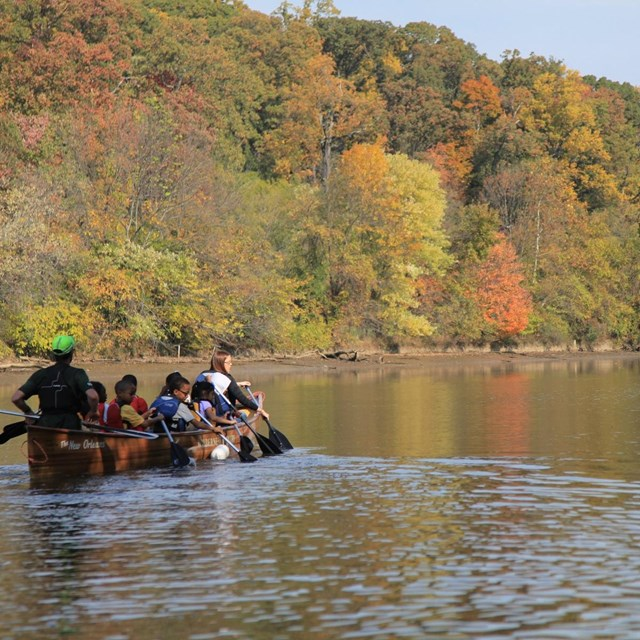 National Capital Parks-East Rangers teamed up with Wilderness Inquiry to lead canoe trips.