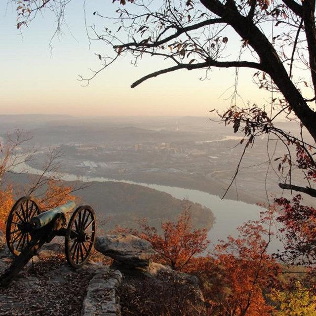 Garrity's Alabama Battery silently stands sentinel overlooking Moccasin Bend