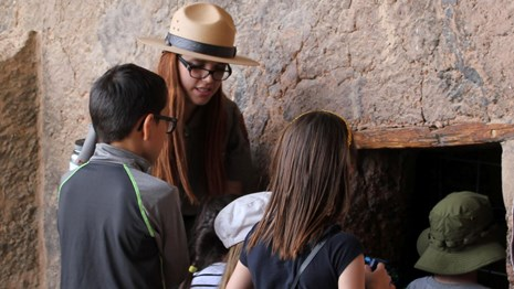 Ranger teaching students at the Lower Cliff Dwelling