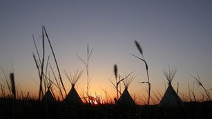 teepees outside of fort union trading post