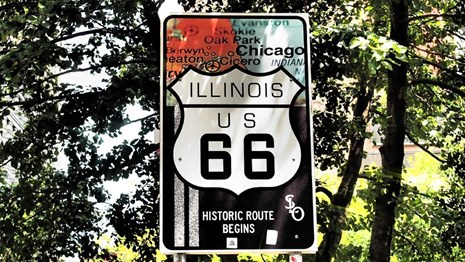 Historic Route 66 sign. CC0 (Pixabay)