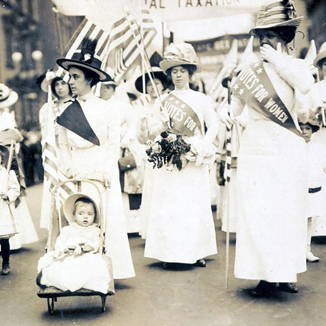 Suffrage parade in New York City, May 4, 1912. Library of Congress.