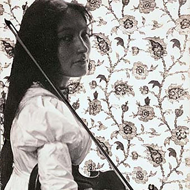 Zitkala-Sa, Smithsonian Institution