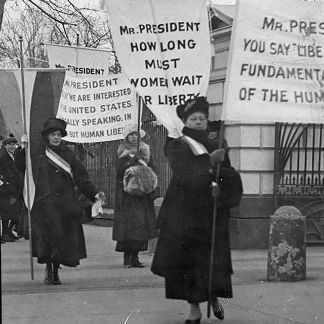 Women picket the White House