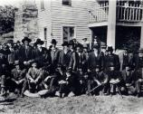 Veterans of the Battle of Pea Ridge reunite at the Elkhorn Tavern in 1926, before the battlefield was owned by the National Park Service.