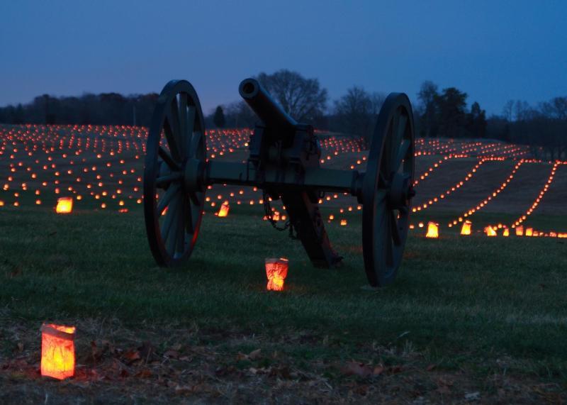 Civil War cannon and luminaries