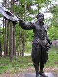Detail of the bronze statue at the sixth stop along the interpretive trail.